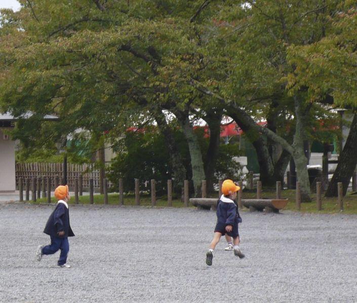 arashiyama school children kyoto