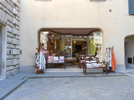 biagianti linen shop montepulciano