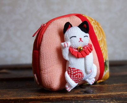 Japan Kyoto silk pouch lucky cat from craft shop in Arashiyama souvnir shopping