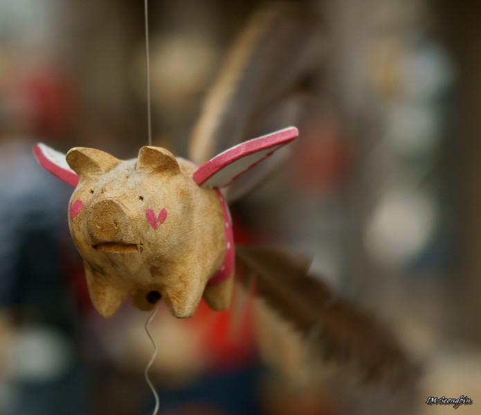 Seoul, Korea, Insadong shopping crafts flying pig