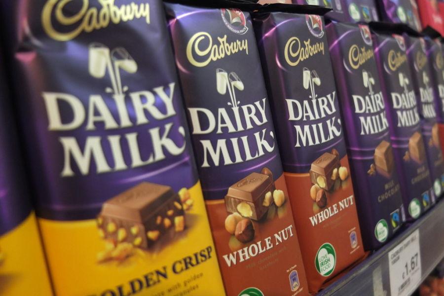 f5a2ccdd03ae9 souvenir shopping dublin grocery supermarket cadbury chocolate Save · souvenir  shopping dublin ...