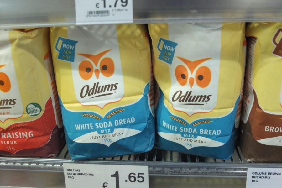 souvenir shopping dublin grocery supermarket white soda bread