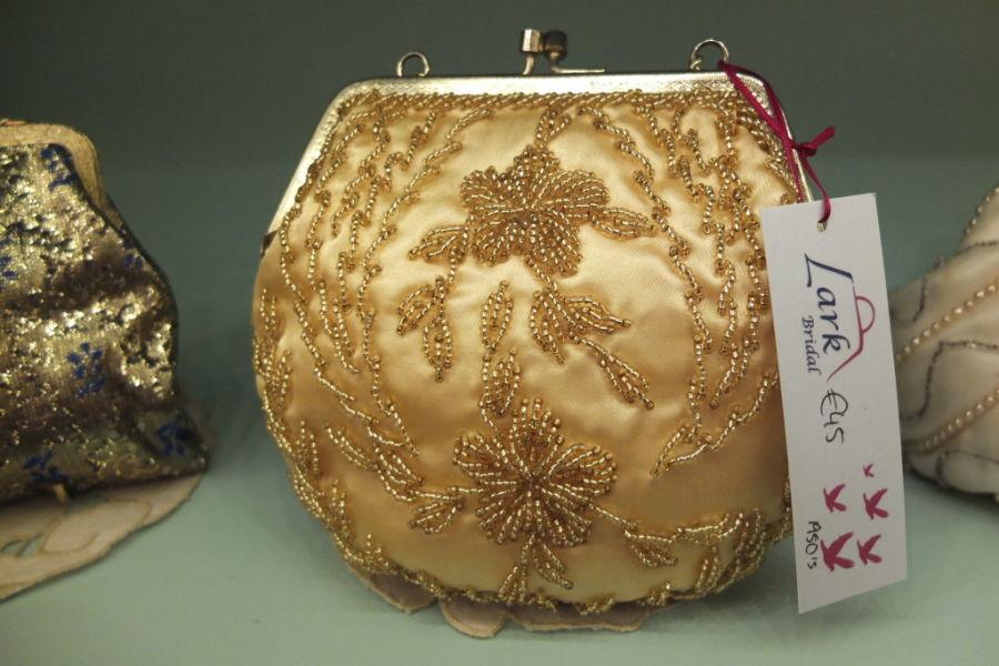 souvenir shopping dublin vintage handbags