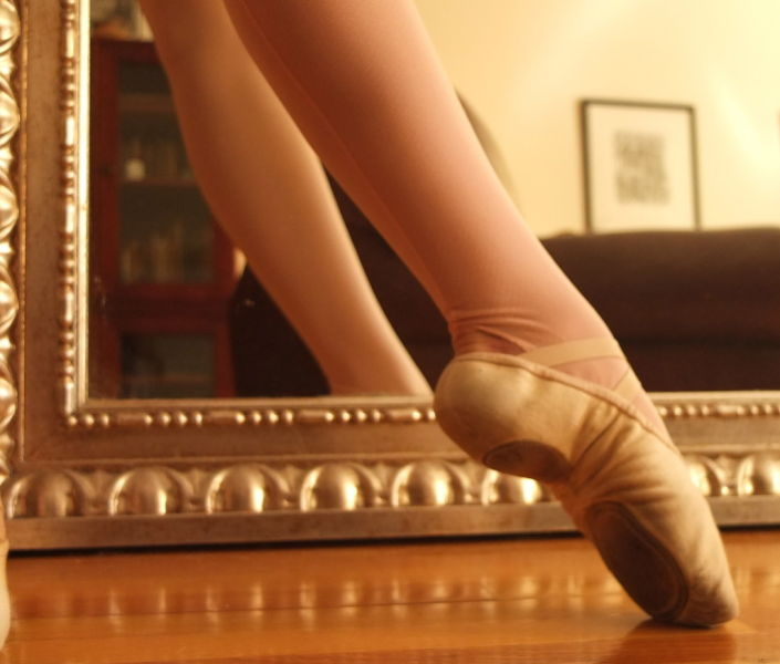 ballet slipper pointed foot