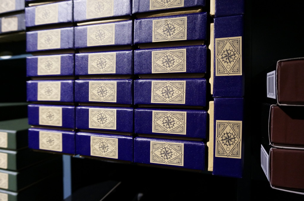 Harry Potter boxes of wands Harry Potter gift shop platform 9 3/4 Kings Cross london souvenir