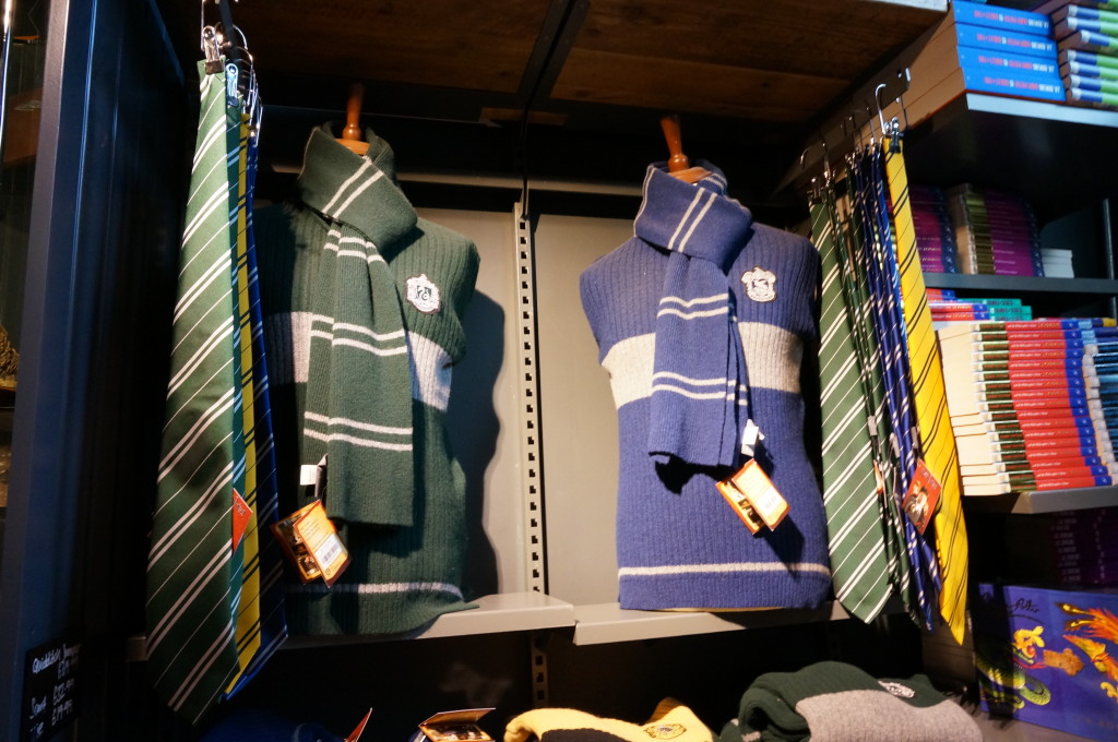 Slytherin and Ravenclaw Quidditch sweaters Harry Potter