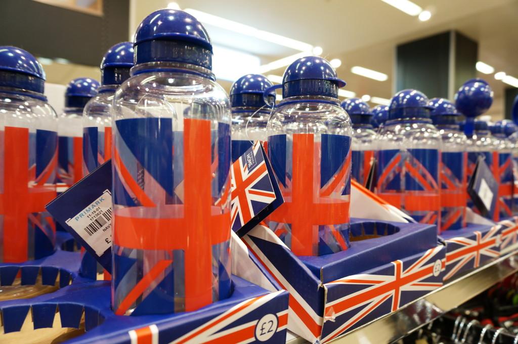 cheap london gift british flag water bottle primark souvenir