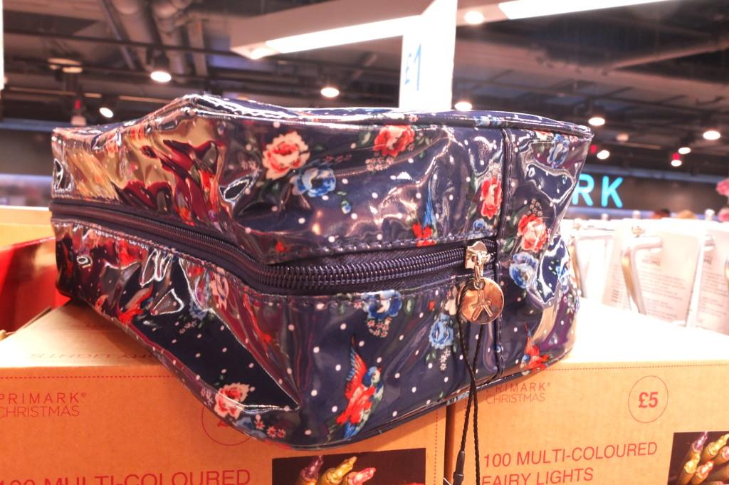 london gift cath kidson inspired toiletry bag primark souvenir