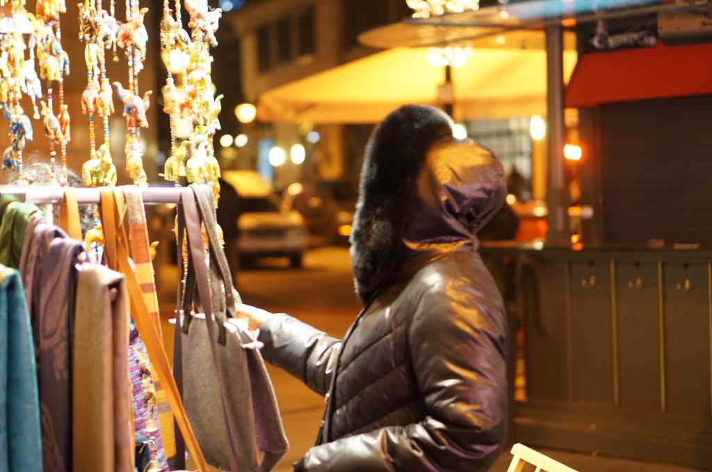 shopping budapest christmas market hungary
