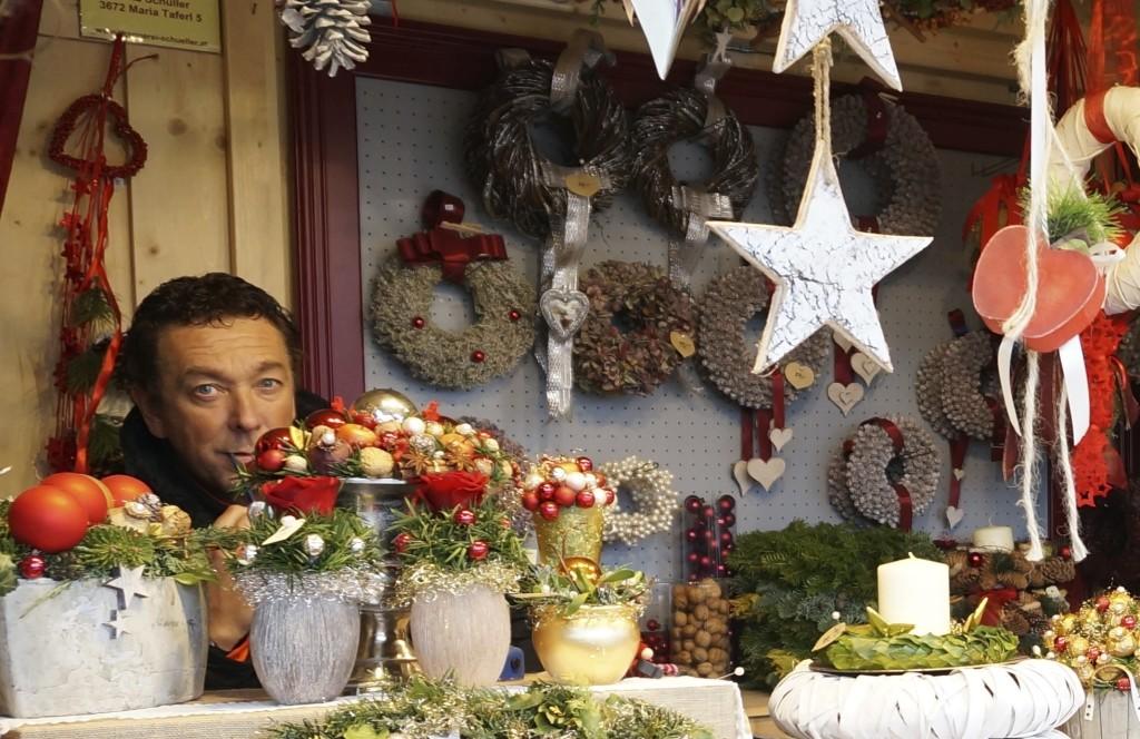 Schonbrunn Palace Christmas Market Vienna wreath