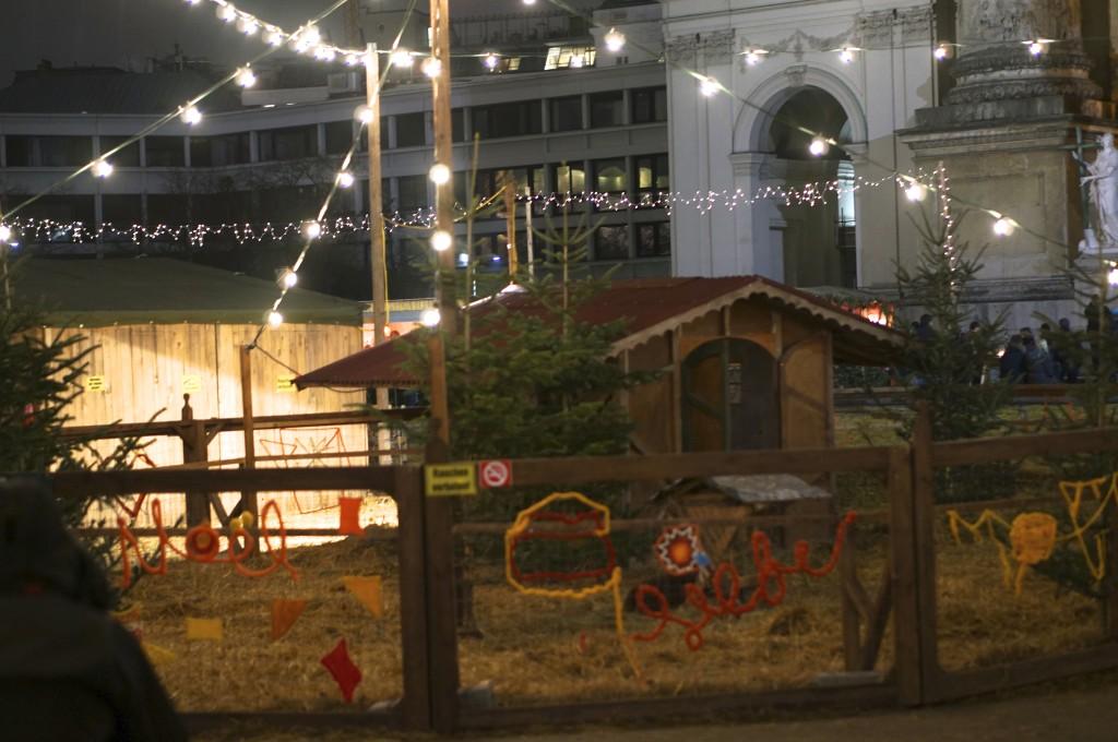 karlsplatz christmas market vienna