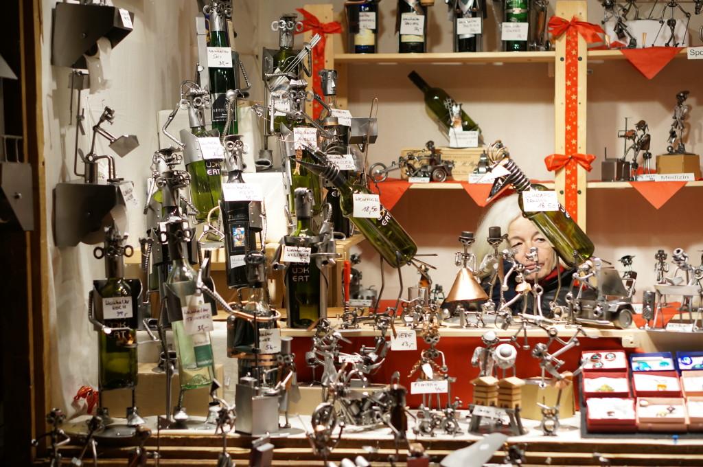 Weihnachtsmarkt am Spittelberg spittelberg christmas market crafts vendor