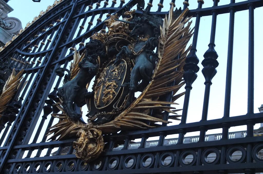 buckingham palace gate london england