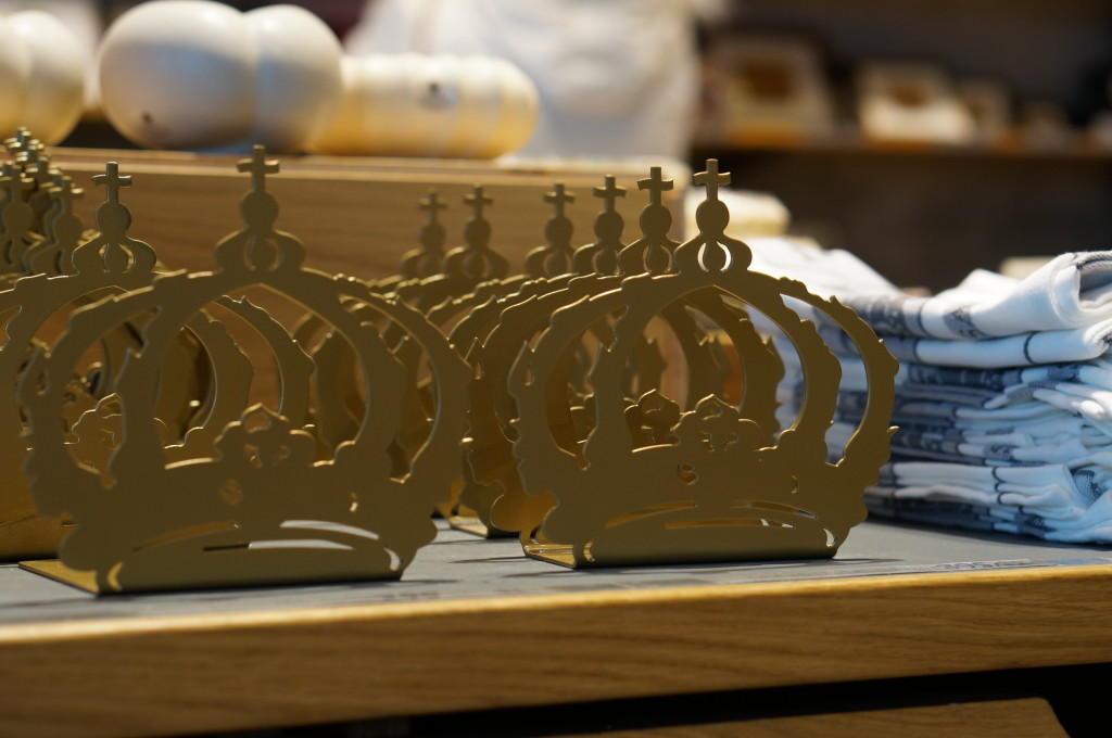 swedish crown souevnir bookends
