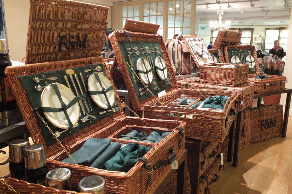 british hampers with lid picnic fortnum & mason basket straw luxury