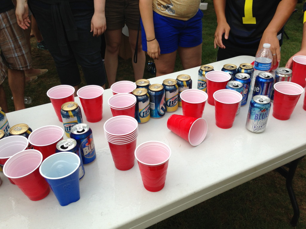 red solo cups party beers
