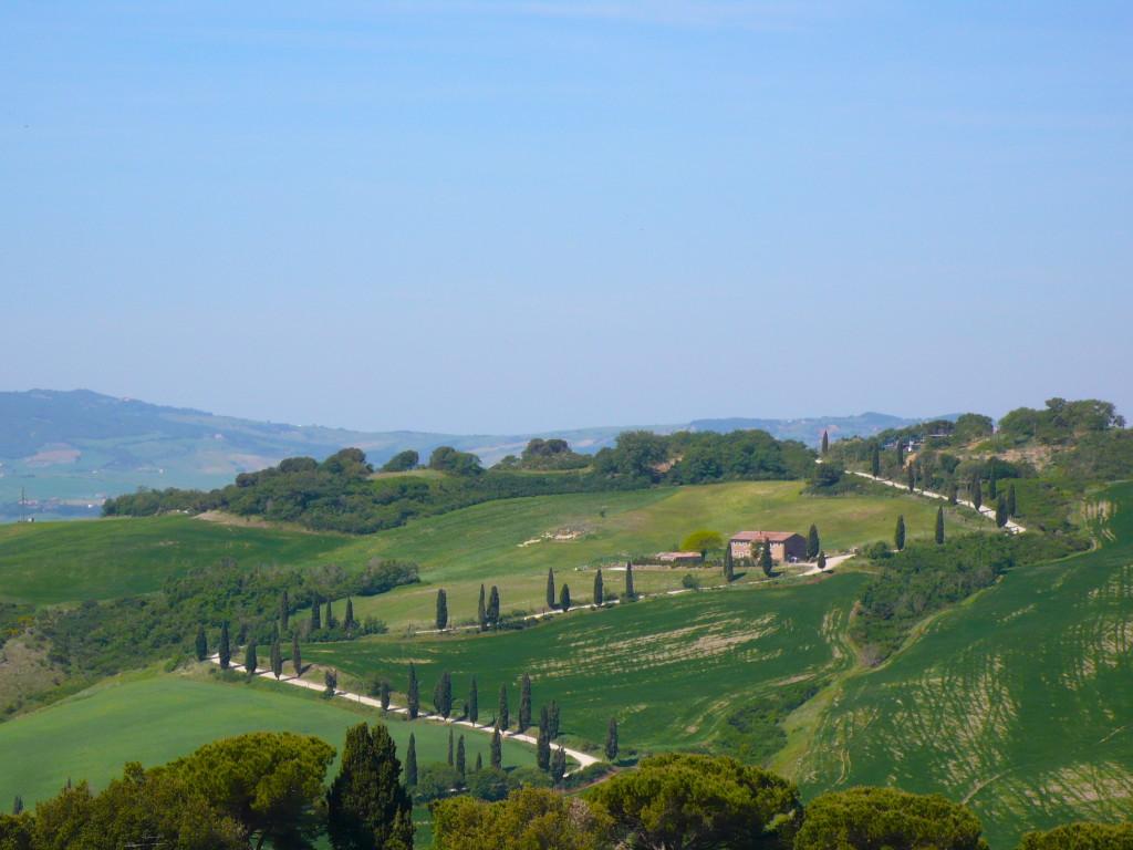 zig zag road Tuscany