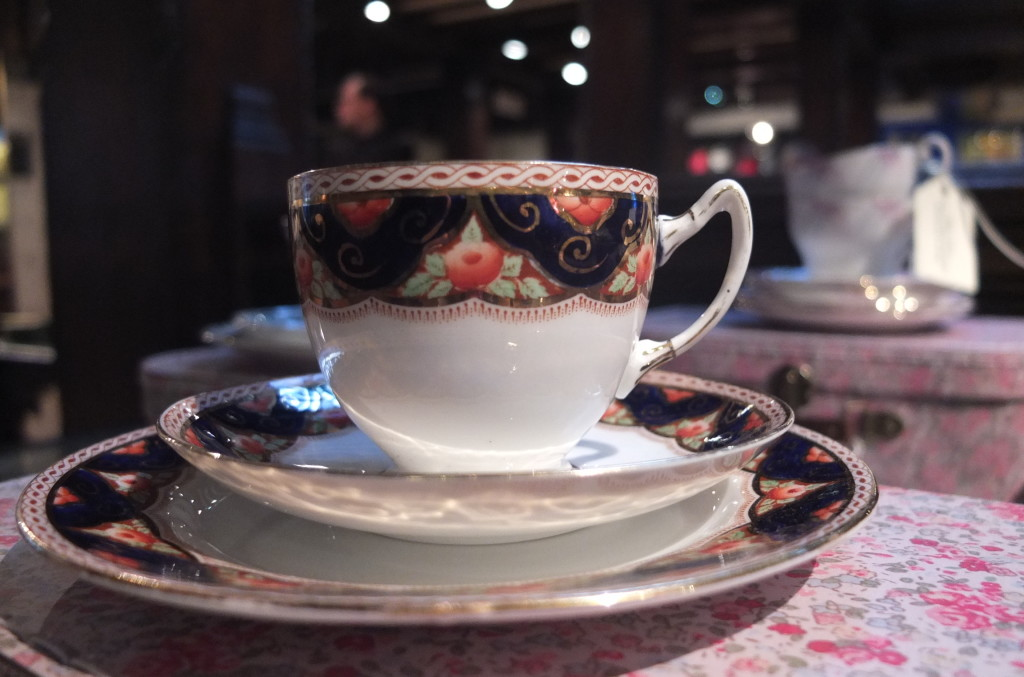 Liberty london gift souvenir tea cup china antique