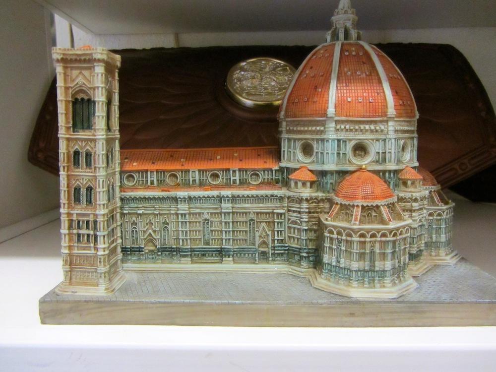 Florence Dumo Replica