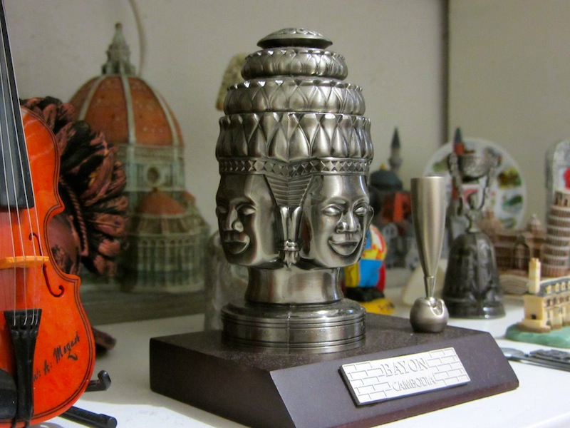 souvenirs-around-the-world