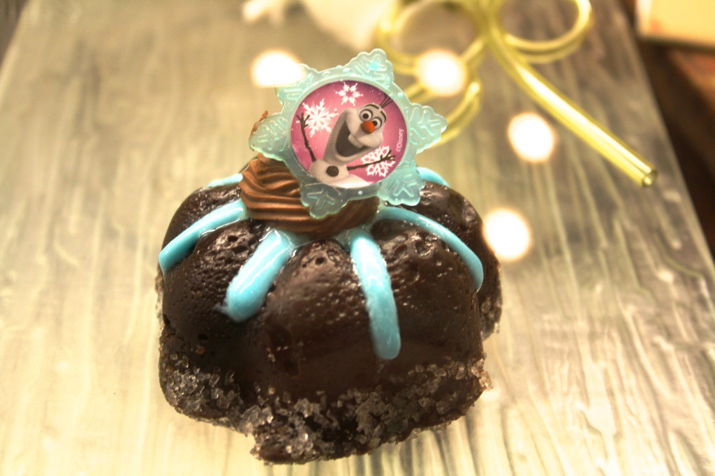 Frozen movie cupcake