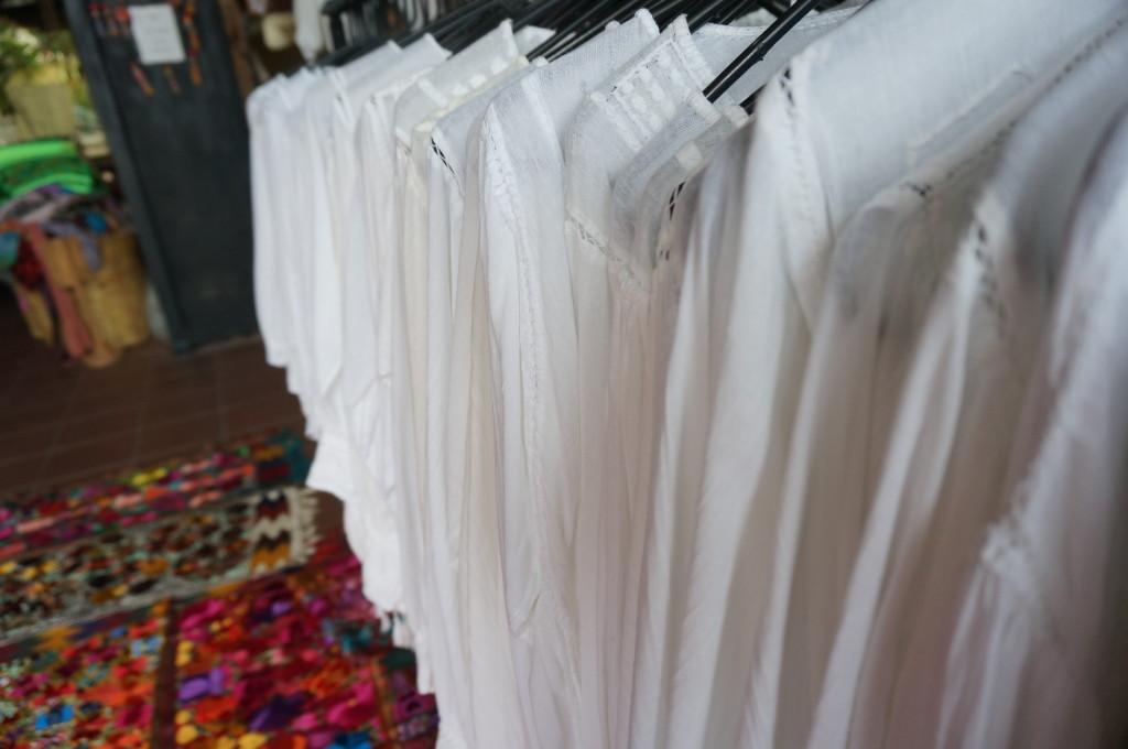 Mexican white cotton embroidered shirt best mexican souvenir shopping playa del carmen