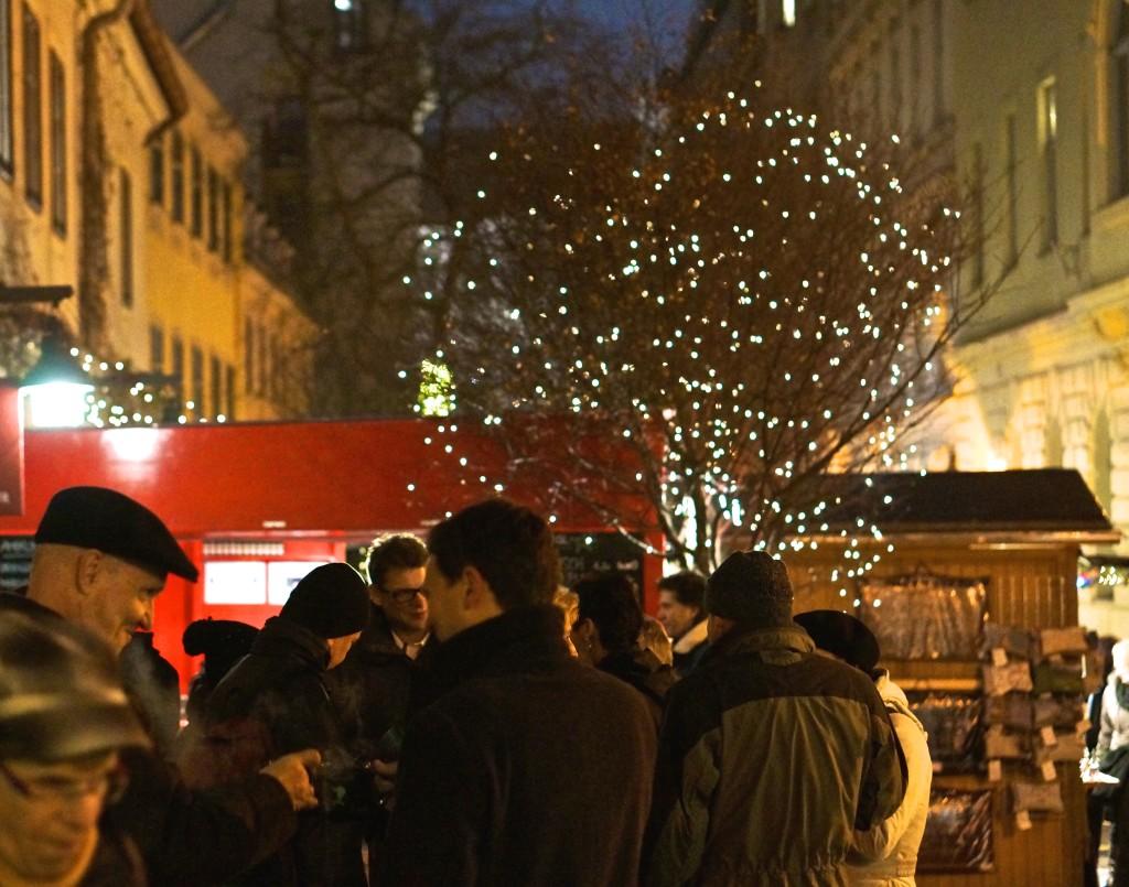 spittelberg christmas market punsch gluwein drinking stall Weihnachtsmarkt