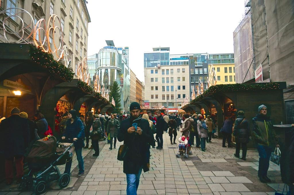 Vienna christmas market stephansplatz austria overview