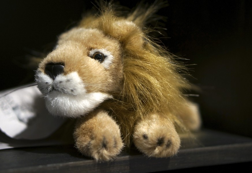 lion stuffed plush toy children kids souvenir from Vasa Museum Gift Shop, Stockholm, Sweden).