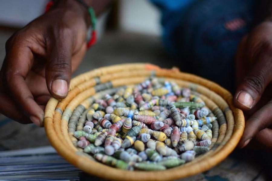 rwanda paper beads souvenir africa