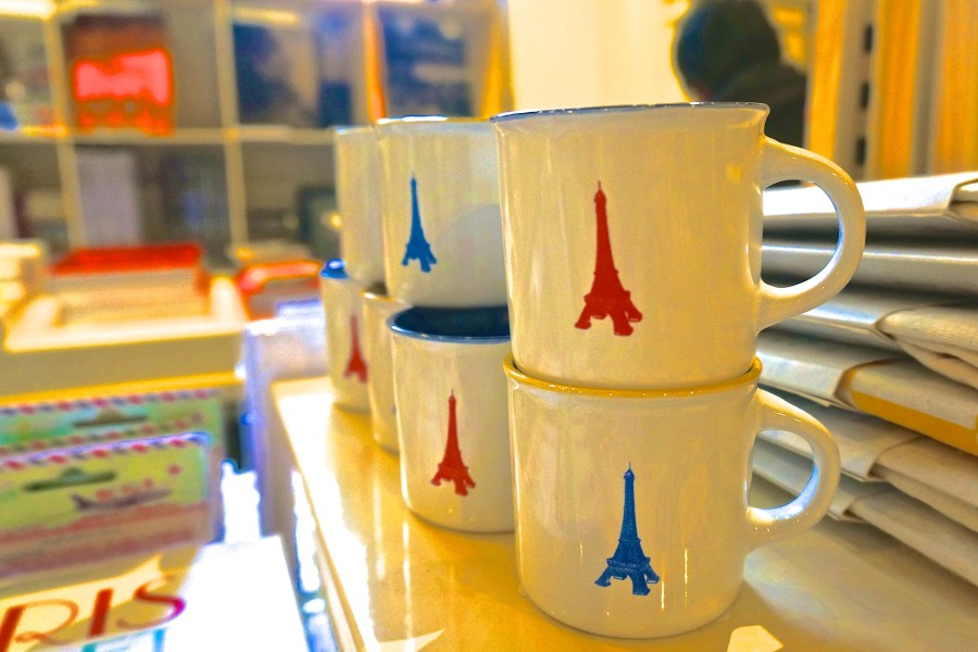 eiffel tower mug souvenir paris