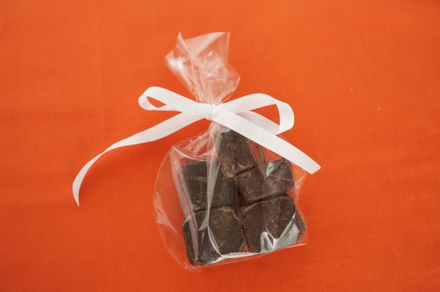frugal gift ideas bag souvenir chocolate