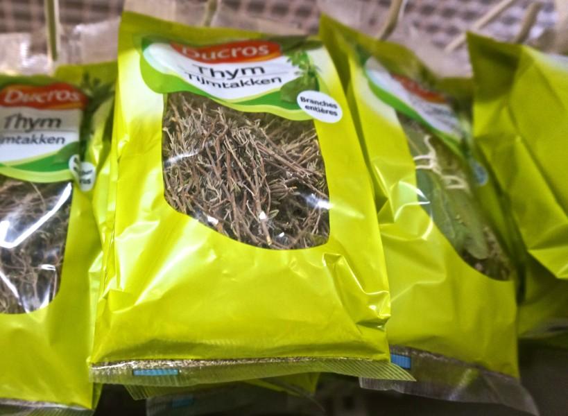 bag dried thyme france souvenir