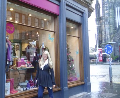 Best Shopping Souvenir Edinburgh Scotland Womens Shopfront Ness