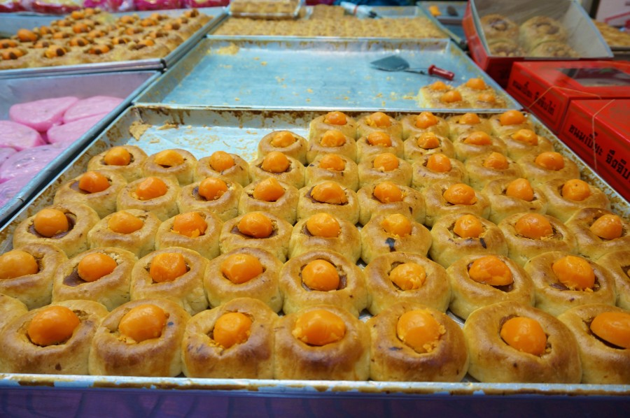 Tasty sweets on Trok Issaranuphap lane in Bangkok's Chinatown.