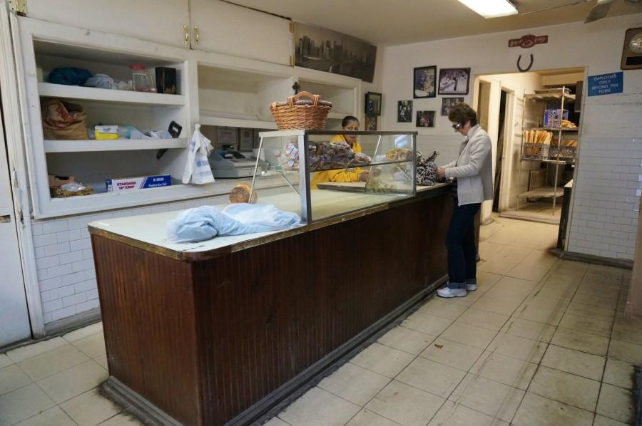 dom's bakery inside hoboken