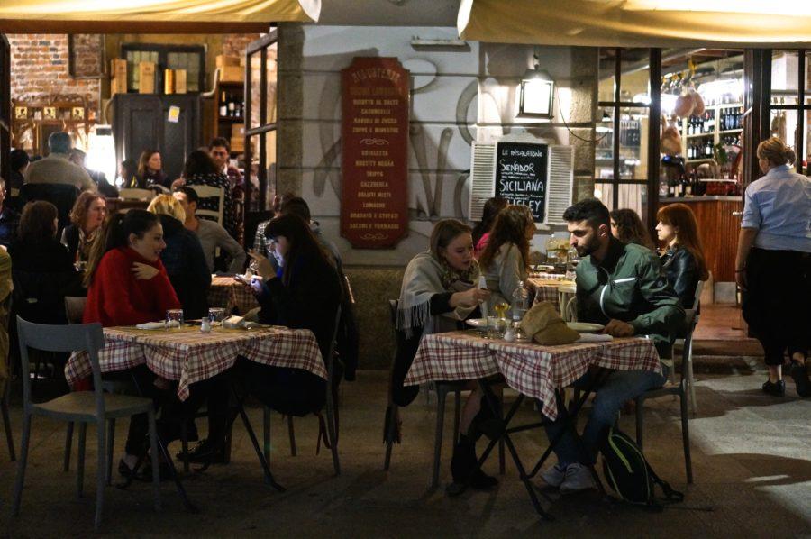 Navigli canal dining restaurant milan