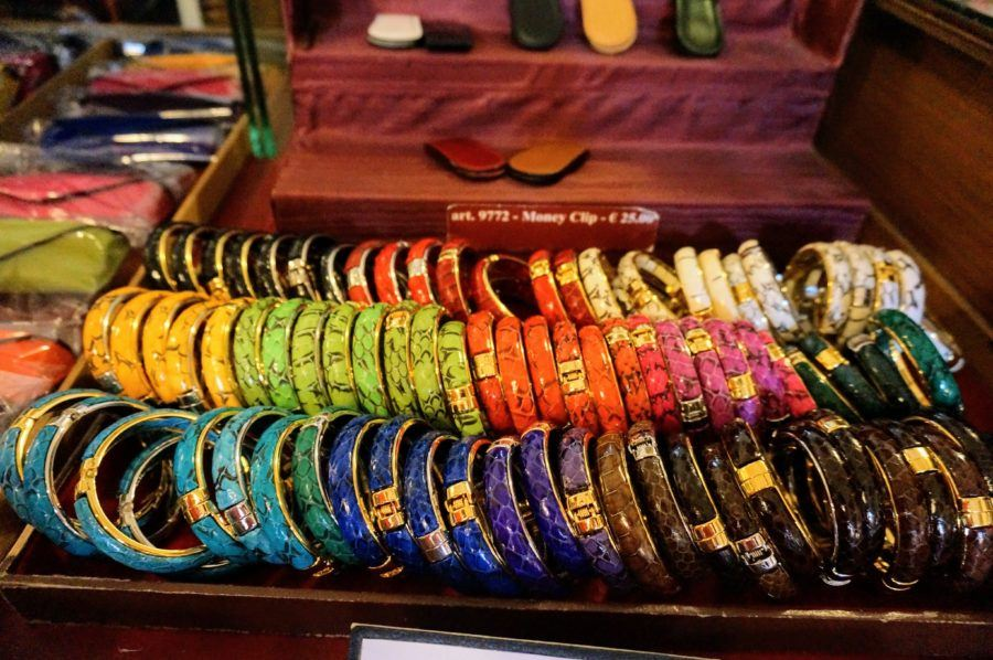 Snakeskin bracelets in pretty colors at 16 euros. florence