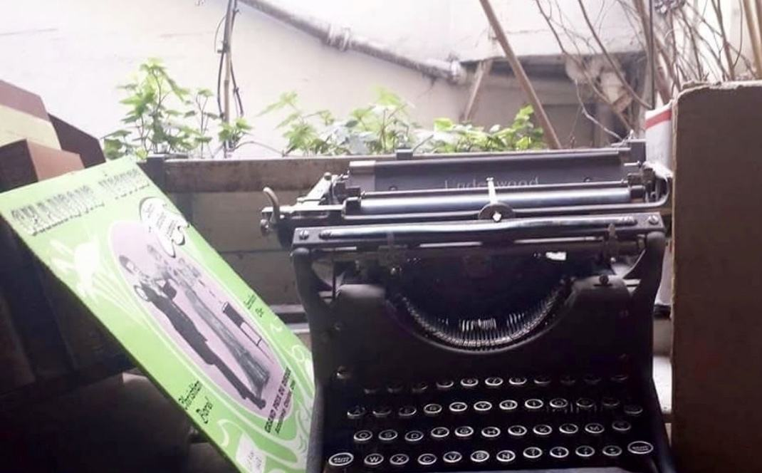 vintage typewriter inside interior shakespeare and company bookstore paris
