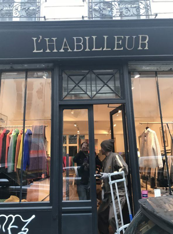 L'habilleur paris outlet store marais shopping discount bargain shopping off price clothes