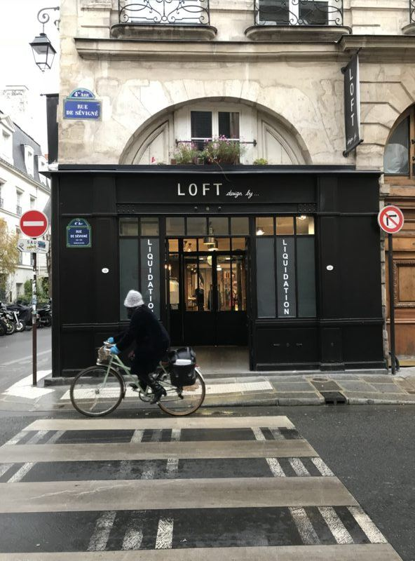 Paris sales shops liquidation marais