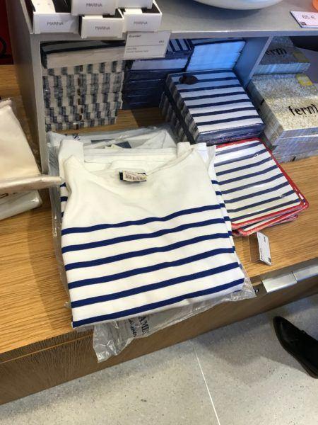 parisian tee shirt gift to buy in paris